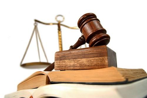 Chuyên viên pháp lý