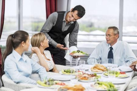 Nhân viên phục vụ bàn