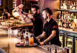 Nhân viên quầy Bar