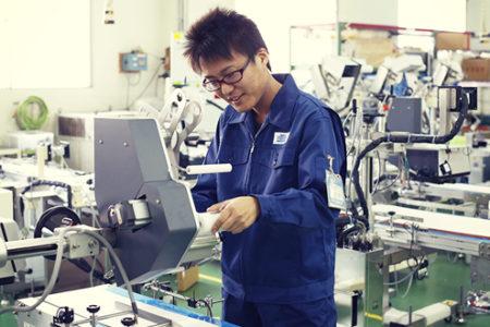 Kỹ sư chế tạo máy