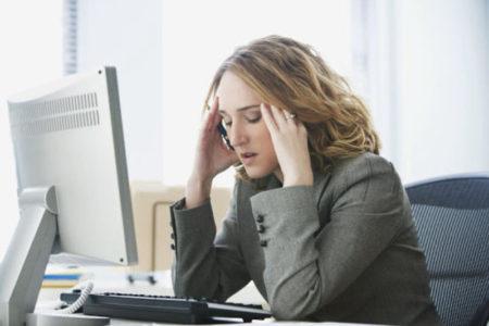 Căng thẳng kéo dài khiến sức khỏe bị giảm sút.