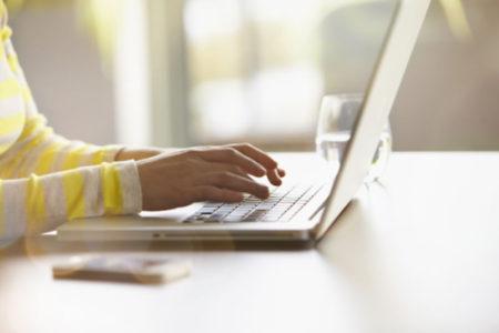 Email tự giới thiệu hấp dẫn bao gồm tất cả các thông tin bạn cần truyền đạt.