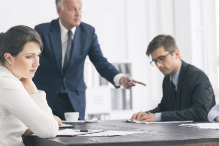 Những dấu hiệu nhận biết sếp thiên vị